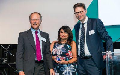 Sujata Jaffer receiving Nexian Personality of the Year Award 2018